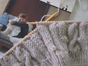 knitting 090109.JPG
